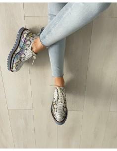 Cauta? i pantof de fata
